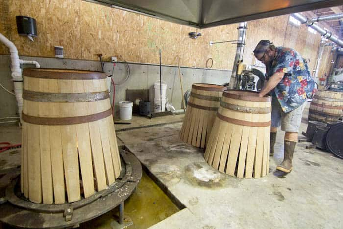 French american or hungarian oak with hybrid barrels for Coopers craft bourbon review