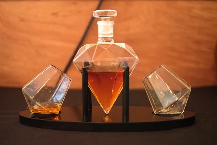 Review: Dragon Glassware Diamond Whiskey Decanter Set - The Whiskey Wash
